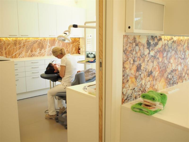 Dr Doris Karl Kieferorthopädie Zahnspange Invisaglin Krems